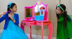 Emma amp Wendy Pretend Play with Cute Pink Princess Makeup Vanity Play Table Girls Toy 300x165 - Emma & Wendy Pretend Play with Cute Pink Princess Makeup Vanity Play Table Girls Toy