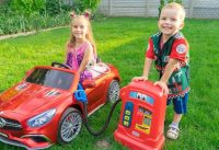 Melissa and Arthur pretend play with cars and ride on power wheels Compilation 200x137 - Melissa and Arthur pretend play with cars and ride on power wheels Compilation
